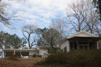 Dogwood's Hideaway, 279 Kendall Drive, Abbeville, AL – Waterfront