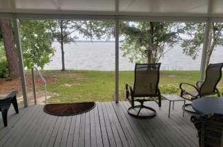 JC's Lake Escape, 511 Miller Rd – Abbeville, AL – Waterfront w/ Dock